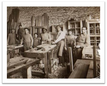 La historia de la ebanister a en sanl car de barrameda for Muebles de caoba en sanlucar de barrameda